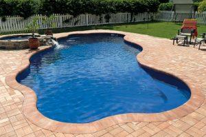 Free-form Fiberglass Pool